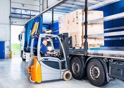 Ulmschneider Logistik & Spedition LKW Beladung Gabelstapler