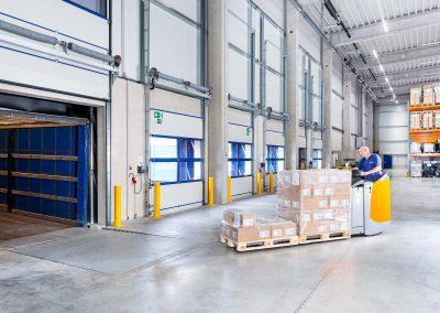 Ulmschneider Logistik & Spedition LKW Beladung Elektro Hochhubwagen